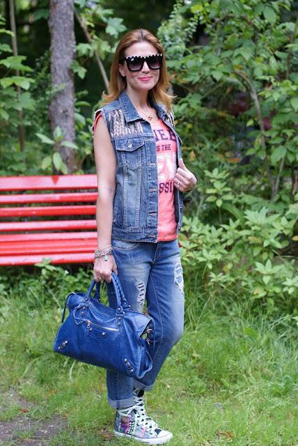 casual look, denim vest, Fashion and Cookies, fashion blog, Balenciaga City bag, Converse aztec print