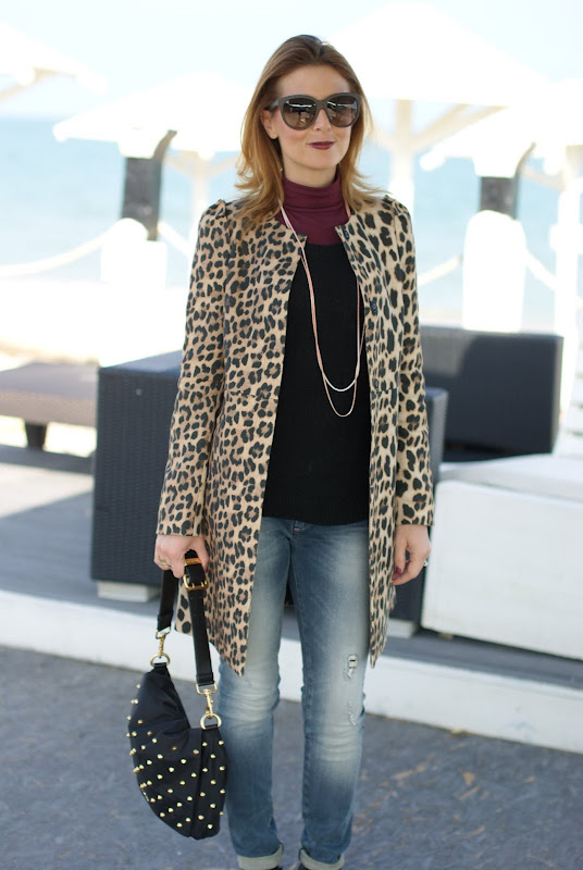 Zara leopard coat, dark lips