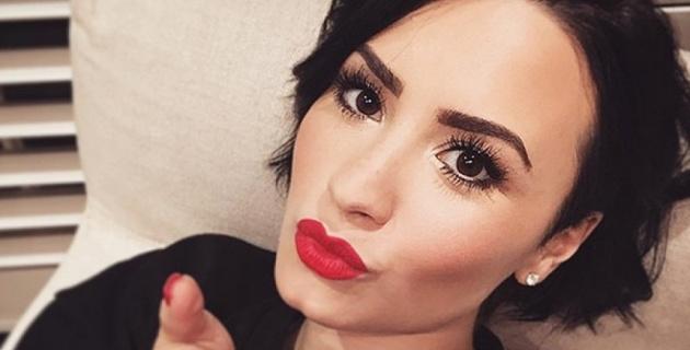 "Demi Lovato cantó ""Confident"" en el programa de Jimmy Fallon."