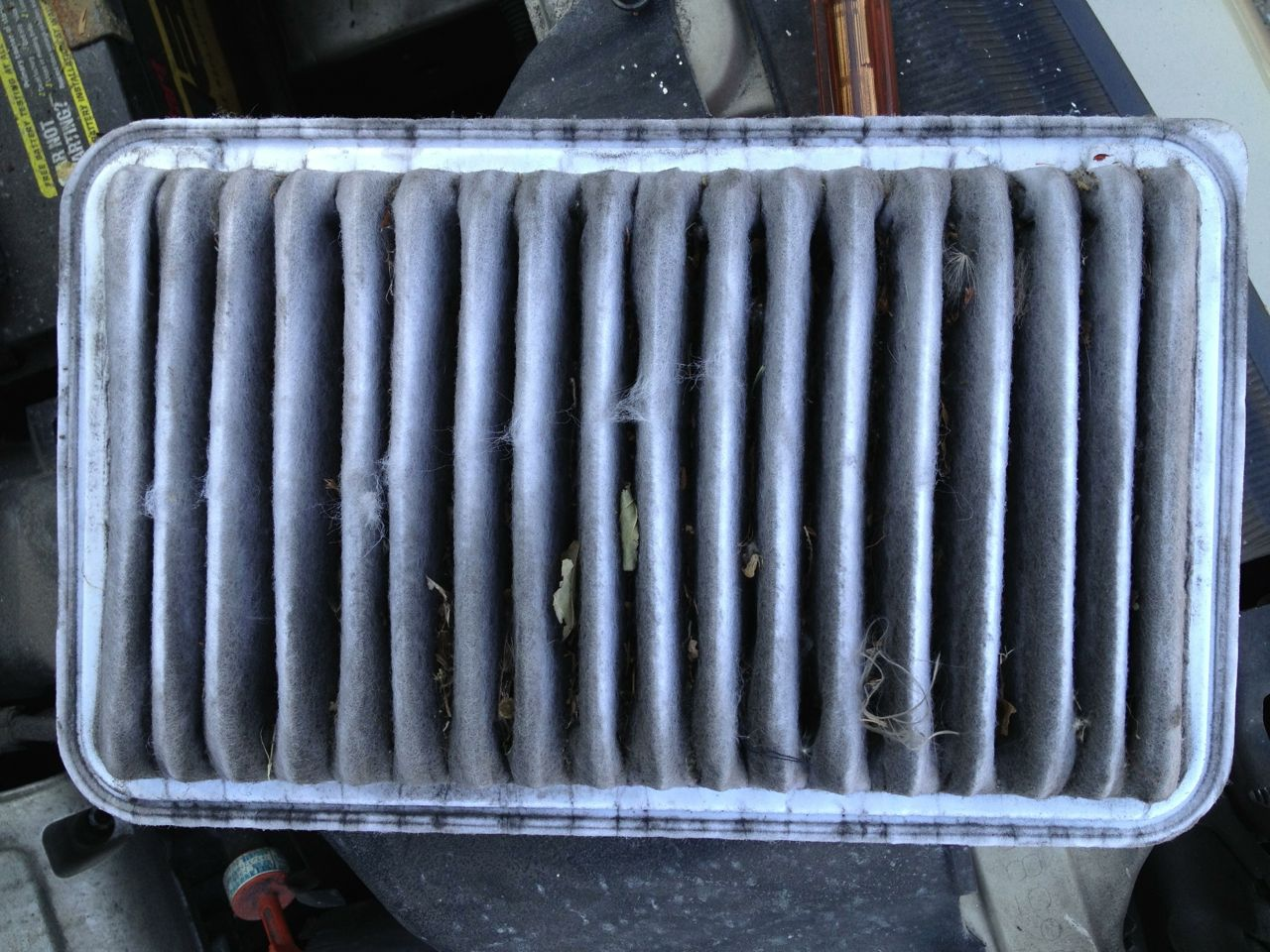 How To Change The Air Filter On A 2004 2010 Toyota Sienna Share Fuel Bottom Side Of My Old Dirty