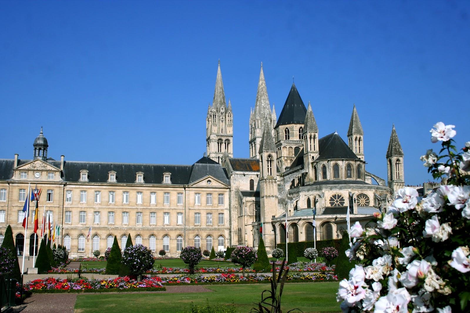 Abbaye aux hommes caen for Normandie piscine carpiquet