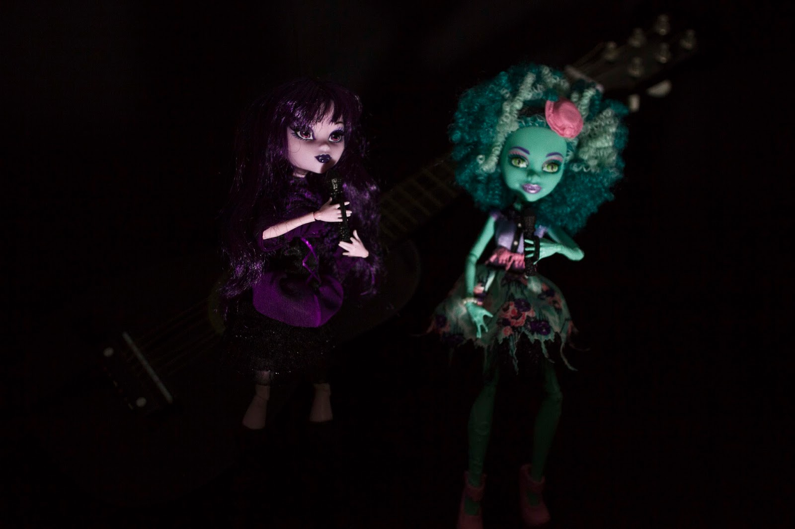 female dolls performing in doll concert