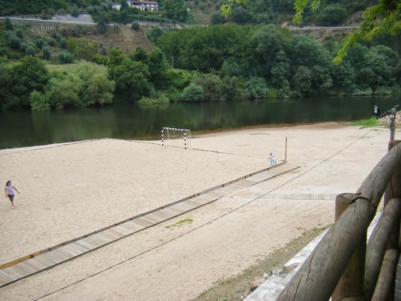 Campo de Futebol junto ao rio Mondego