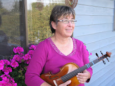 Emmy Hoech - Violin, Viola and Cello