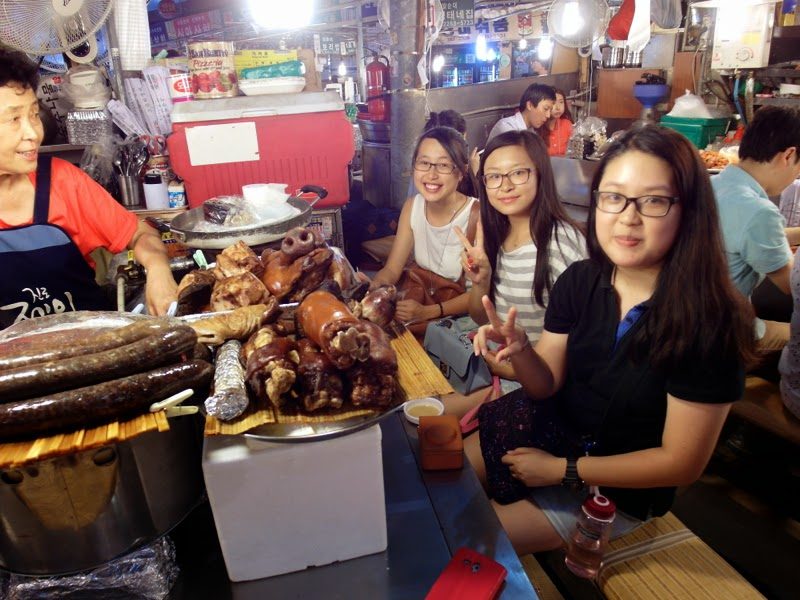 Ewha University Summer Studies Program Travel Seoul Korea Food Bindaetteok Gwangjang Market lunarrive blog singapore