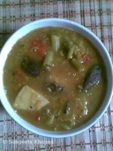 vegetarian dalcha and plantain bhujia