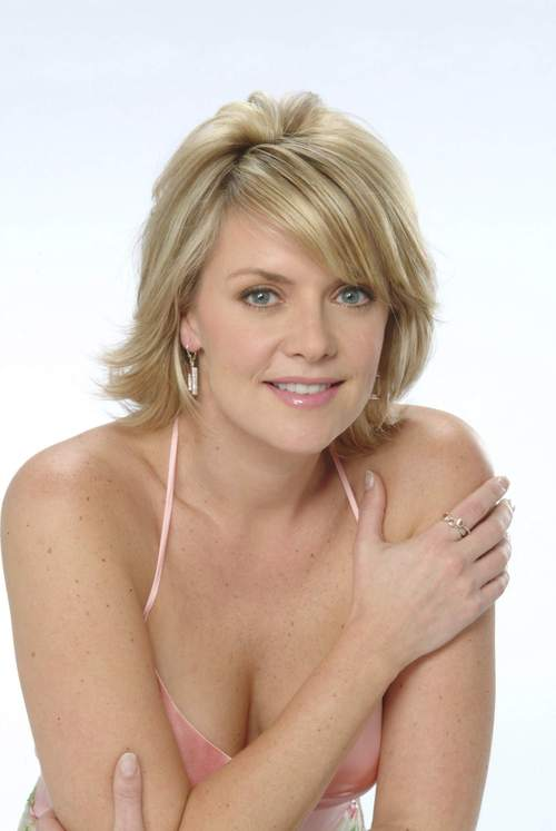 Amanda Tapping Bra Size Measurements