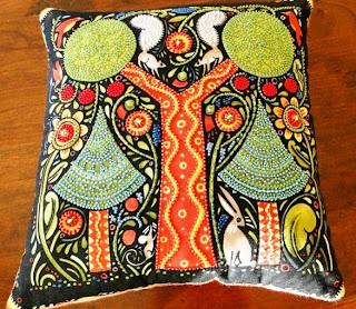 подушки из бисера