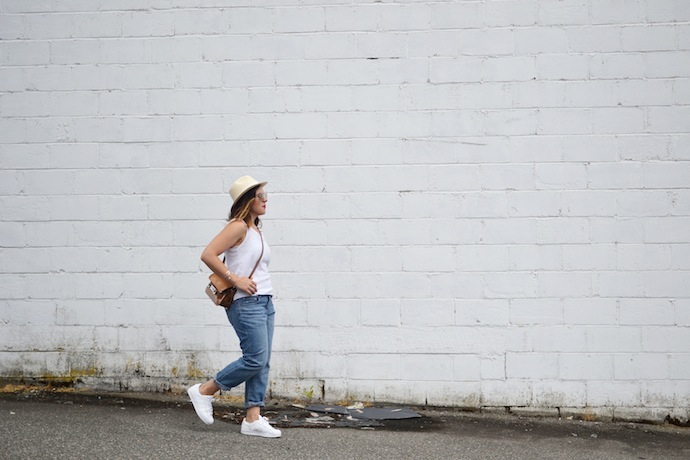 Gap Boyfriend jeans outfit idea easy summer