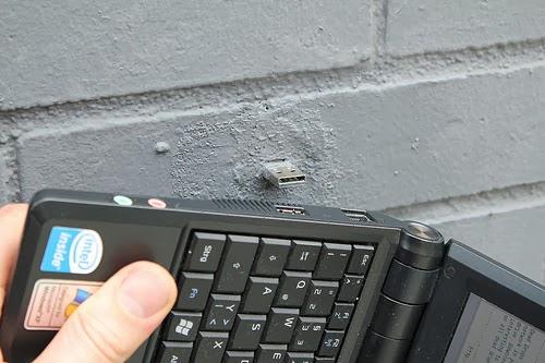 USB Dead Drop - Cara unik untuk berbagi file secara offline tanpa harus terhubung dengan jaringan.
