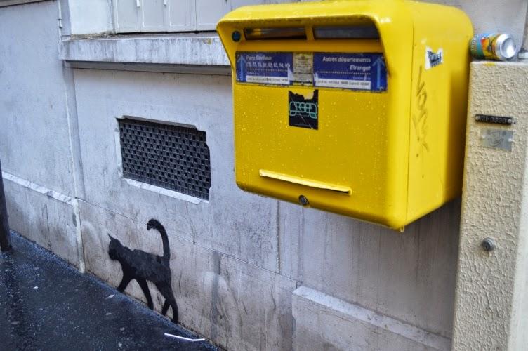 grafitti, post box, mailbox, Paris, cat, chat, yellow