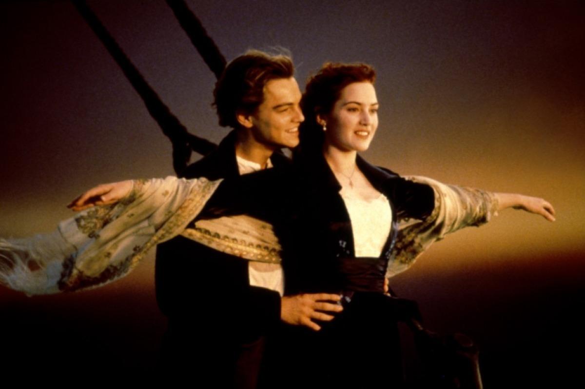 http://4.bp.blogspot.com/-SjYSlKfhZeE/T5RCvdZExJI/AAAAAAAACao/CduN-mvtn5A/s1600/Titanic-Kate-Winslet-Leonardo-diCaprio-titanic-15307264-1200-797+(1).jpg