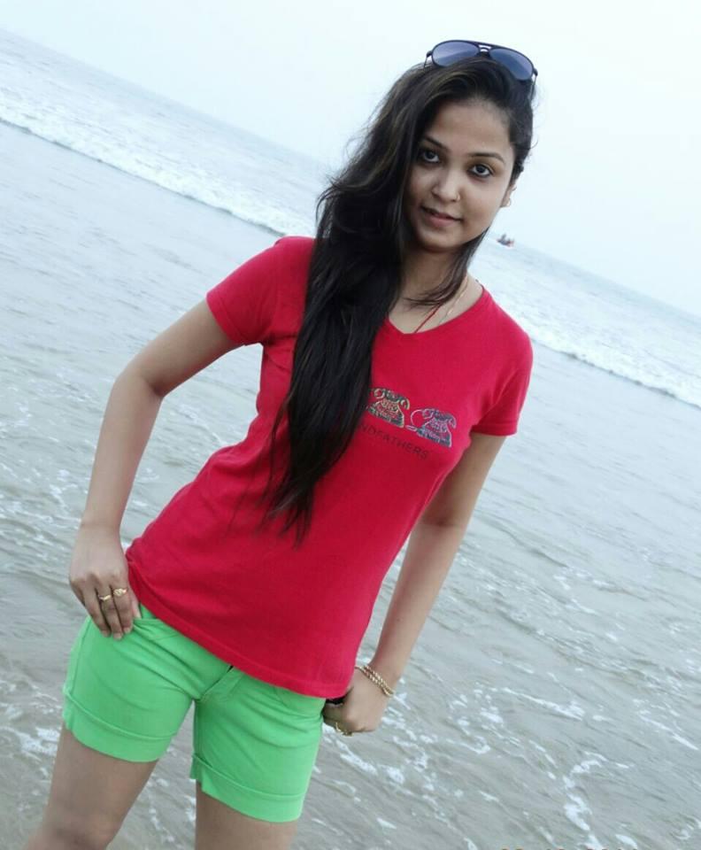 Mohini Ghosh in Bikini Photo, Mohini Ghosh hot pics, Mohini Ghosh hot photo collection, Mohini Ghosh Sexy Photo, Bikini HD Images