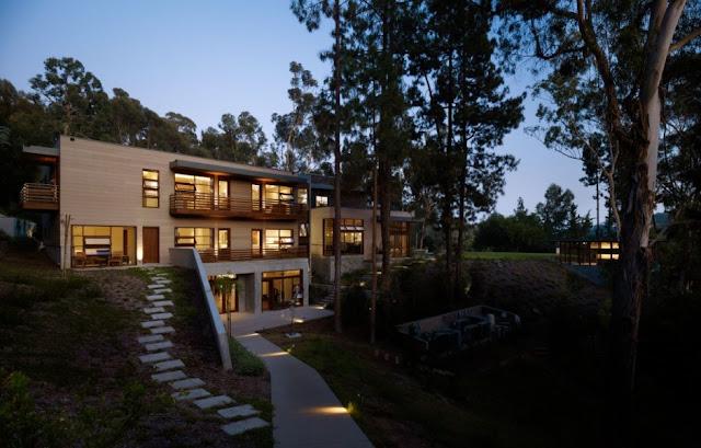 Backyard of the Mandeville Canyon Residence