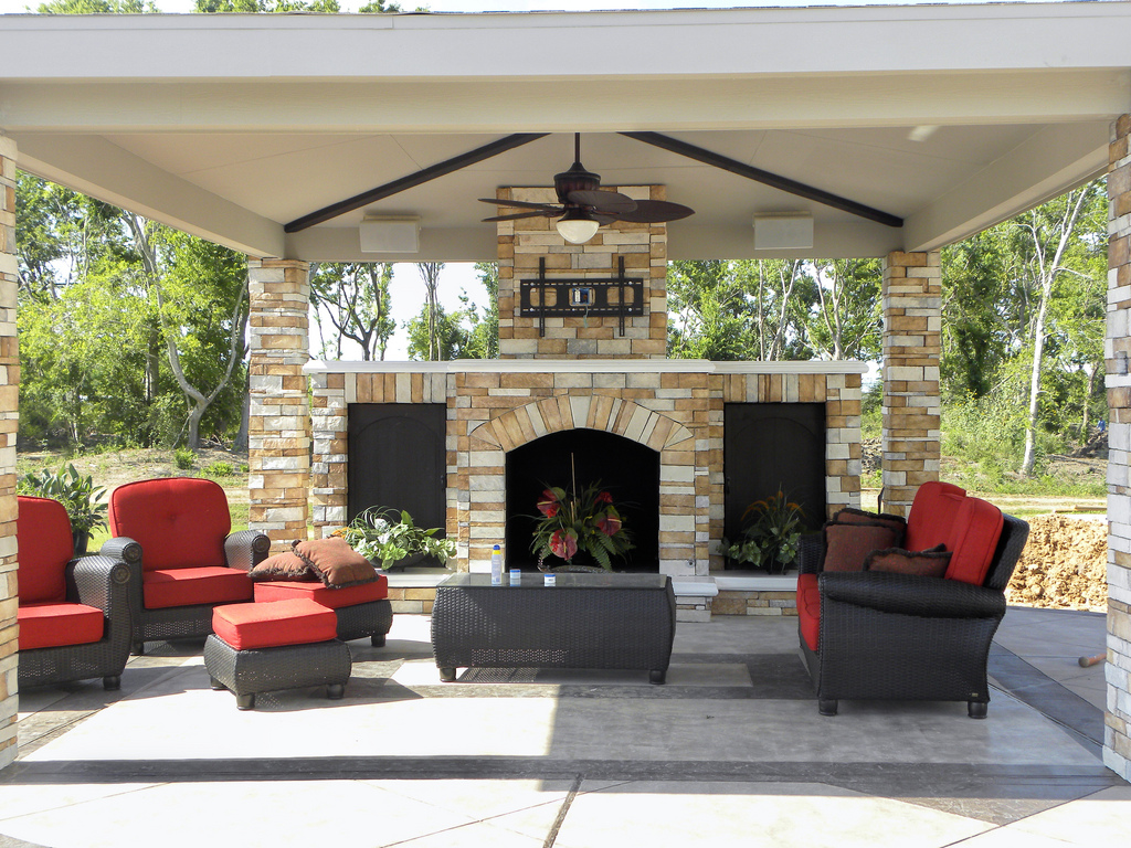 Outdoor fireplace design for Outdoor living areas with fireplaces