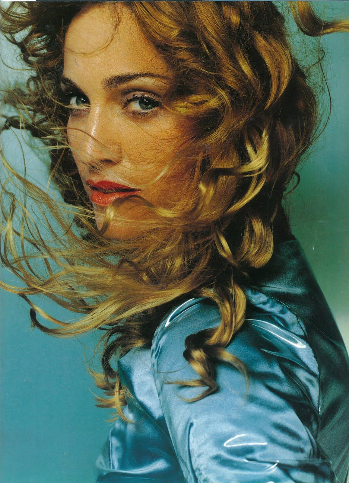 http://4.bp.blogspot.com/-Sk-BbLS7GRI/TVwg02eGIlI/AAAAAAAAARY/gWWmu1Wc5-k/s1600/Madonna.jpg
