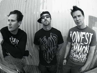 #1 Blink 182 Wallpaper