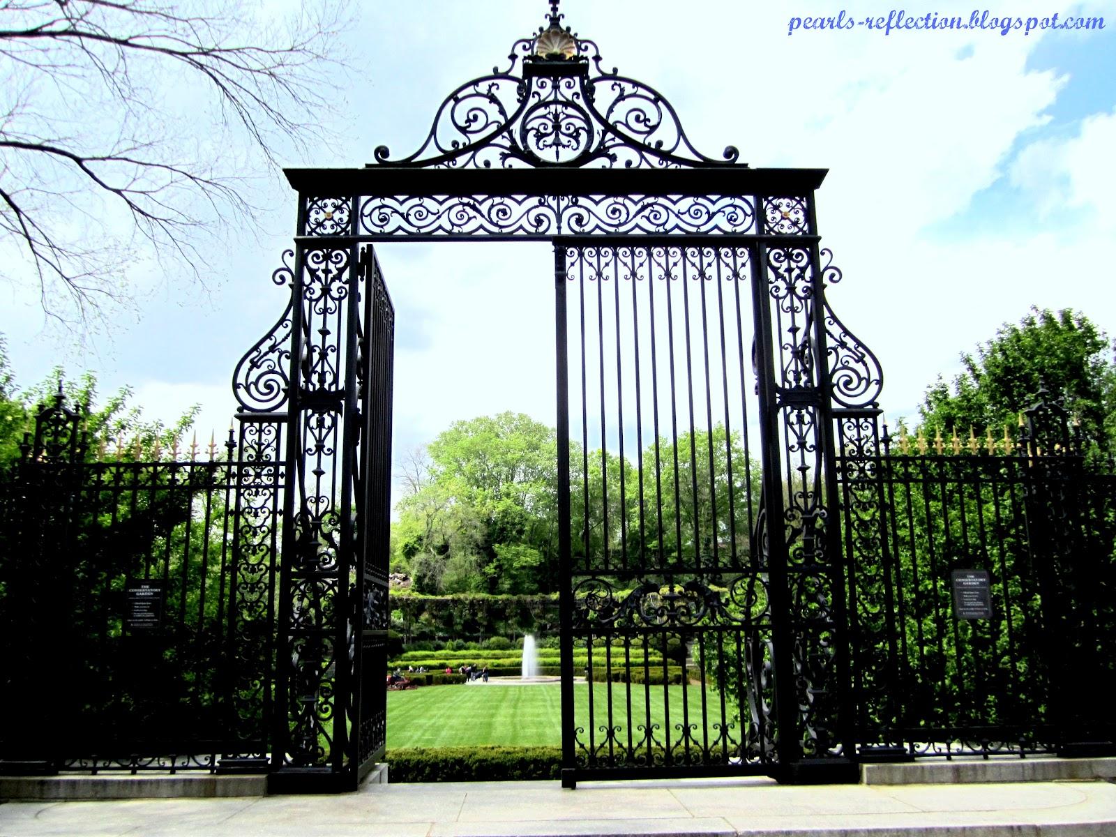 Pearl 39 S Reflection Vanderbilt Gate At Conservatory Garden
