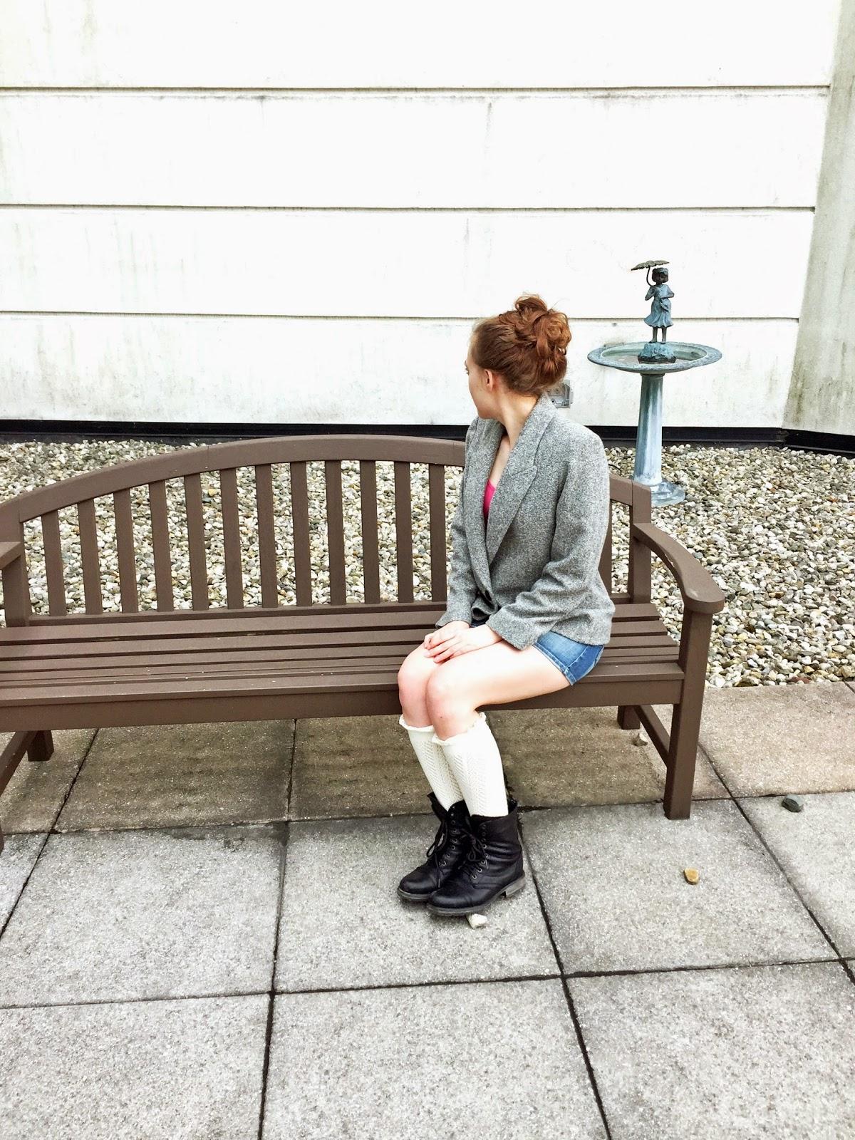 mini-skirt-combat-boots-lace-stockings