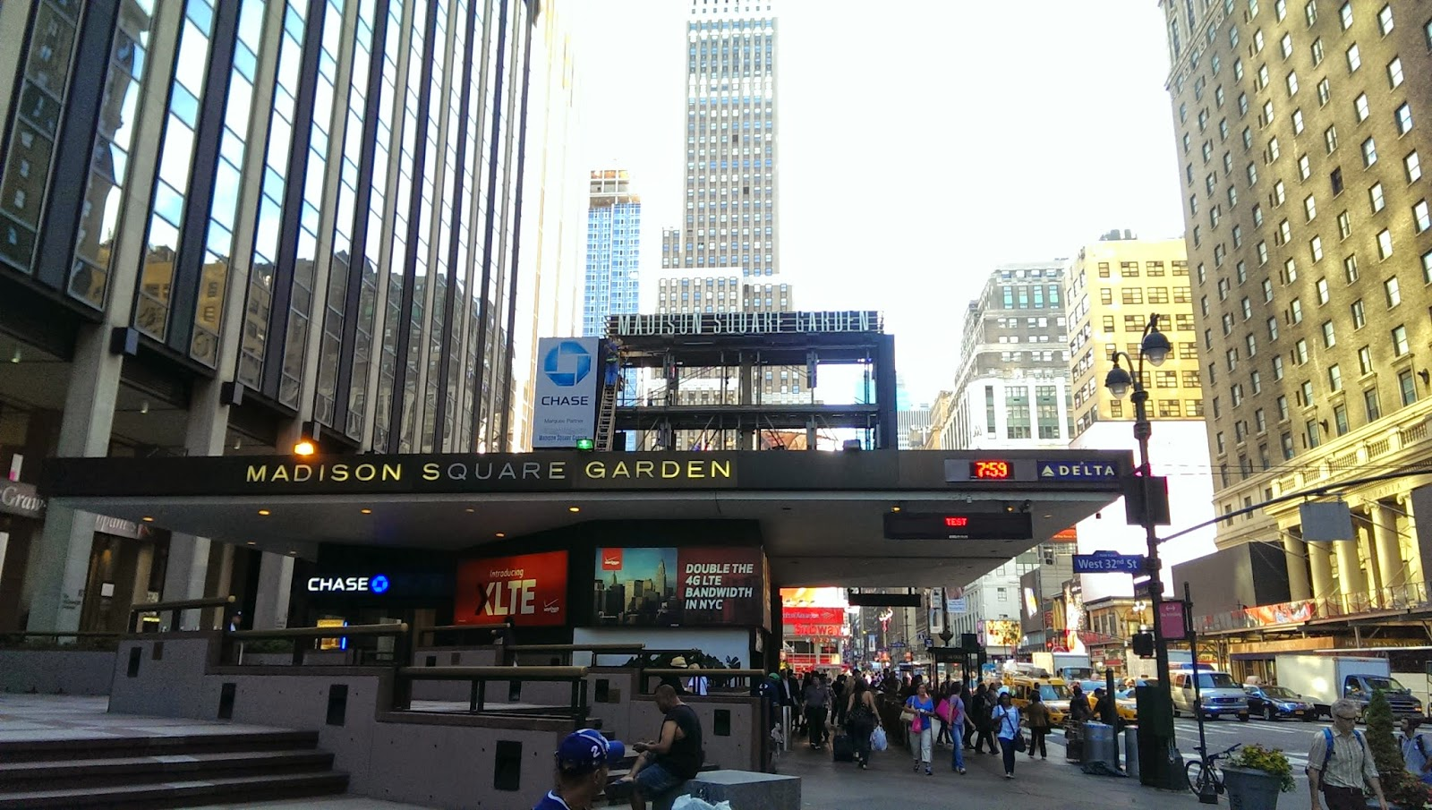 madison square garden screen construction