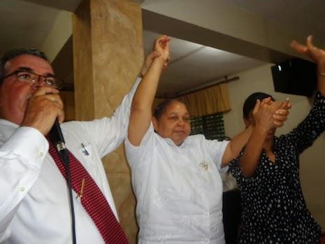 Ungen a la Co-Pastora Dominga Peña de Morel como Pastora IJJN