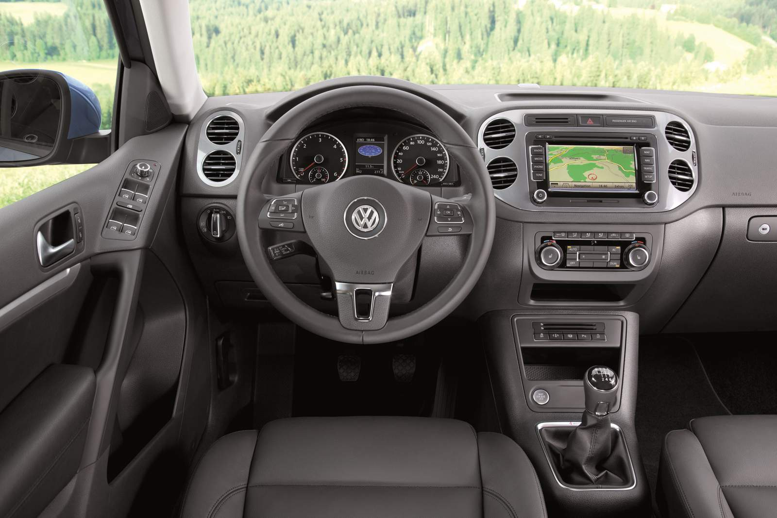 Volkswagen tiguan 2016 recebe melhorias na europa car blog br - Volkswagen tiguan interior ...