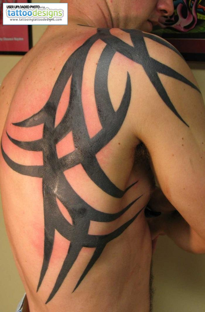 Tattoos for men shoulder designs great tattoos for Tattoo design in shoulder