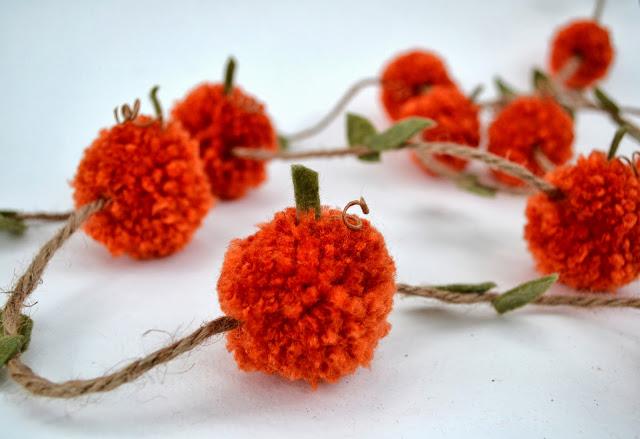 Pompom+pumpkin+garland+how+to+make+easy 001