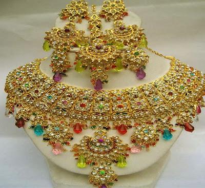 Pakistani Latest Gold Jewellery Design 2012