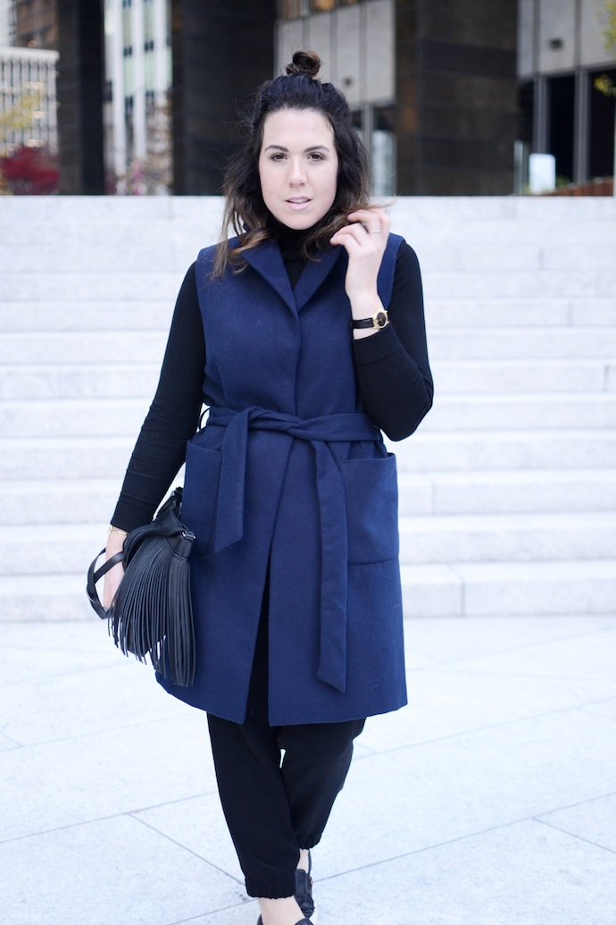 Topshop sleeveless coat navy blue and black fashion blogger Vancouver