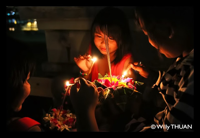 Loy Krathong in Phuke