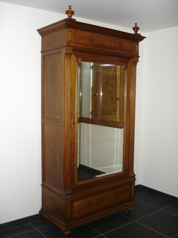 dressing grenier armoire glace ancienne. Black Bedroom Furniture Sets. Home Design Ideas