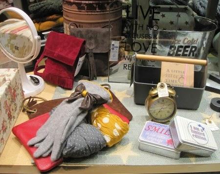 Bolsitos, carteras piel, guantes