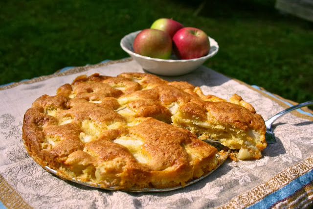 marie-helene's apple cake: simple living and eating