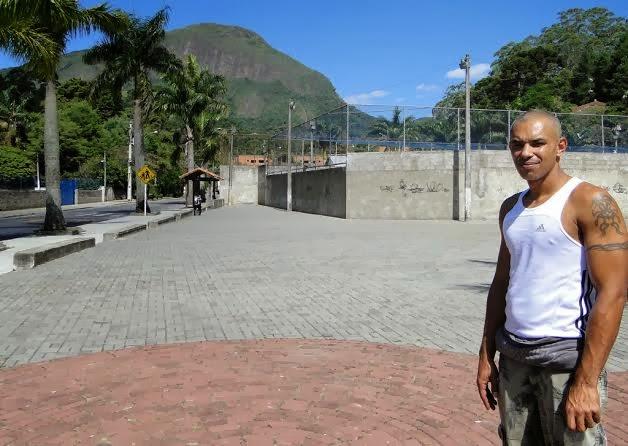 João Paulo Resende aprova os serviços realizados na Praça José Augusto Vieira, na Ermitage