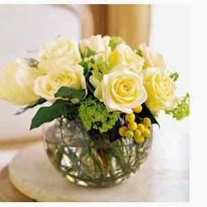 http://www.floristvancouver.com/shop/premium-white-roses-arrangement/