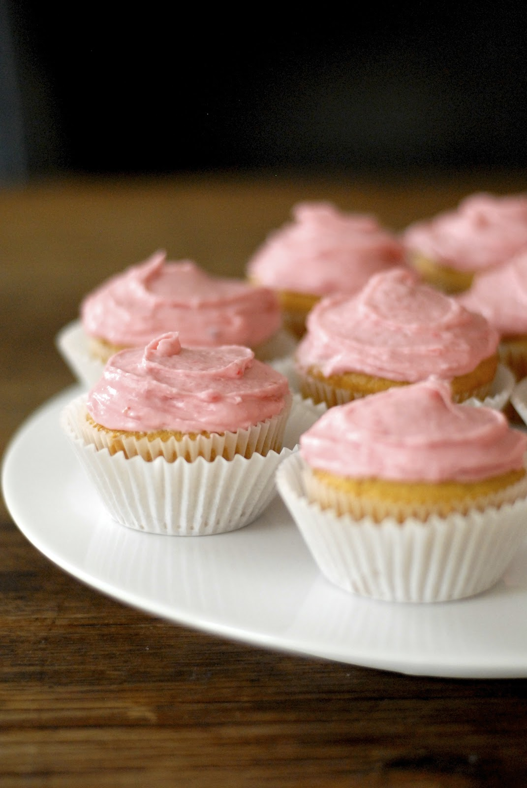 yellow cupcakes with raspberry fluff frosting cupcakes gluten free ...