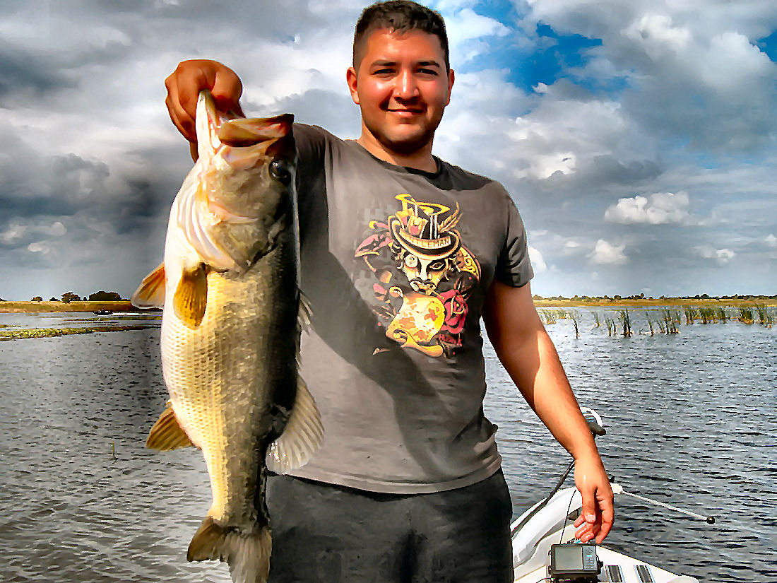 What to look for bass fishing lake okeechobee lake for Lake okeechobee fishing guides