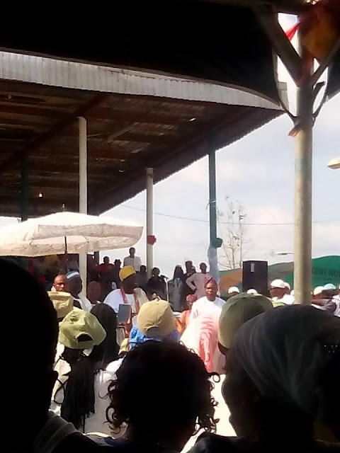 PHOTOS: Ooni Of Ife Visits NYSC Camp In Ede, Osun State 15401008_1110786072352658_8949902055138617295_n