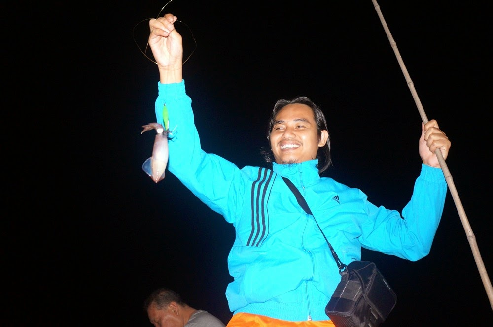Halong Bay - Mencandat sotong di atas V' Spirit Classic Cruise