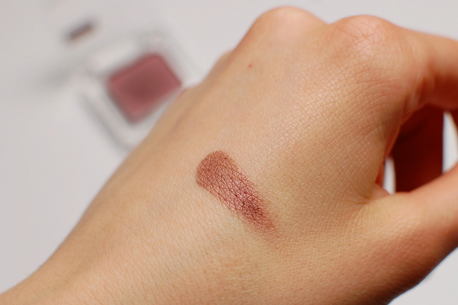 Catrice Eyeshadow Plum Up The Jam swatch