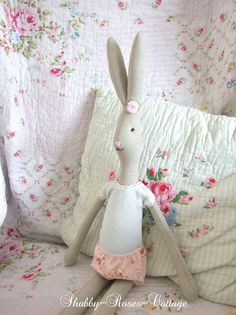 Shabby-Roses-Cottage: New bunny...