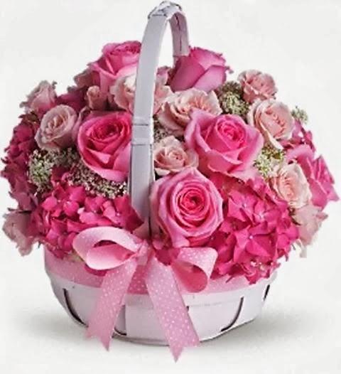 Ροζ αγαπησιάρικες κι ανθισμένες ευχές...