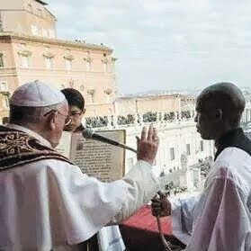 Pope honours zimbabwe the mirror hear and be heard for Mirror zimbabwe