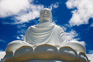 Nirvana bandnaam herkomst - Buddha statue Nha Trang