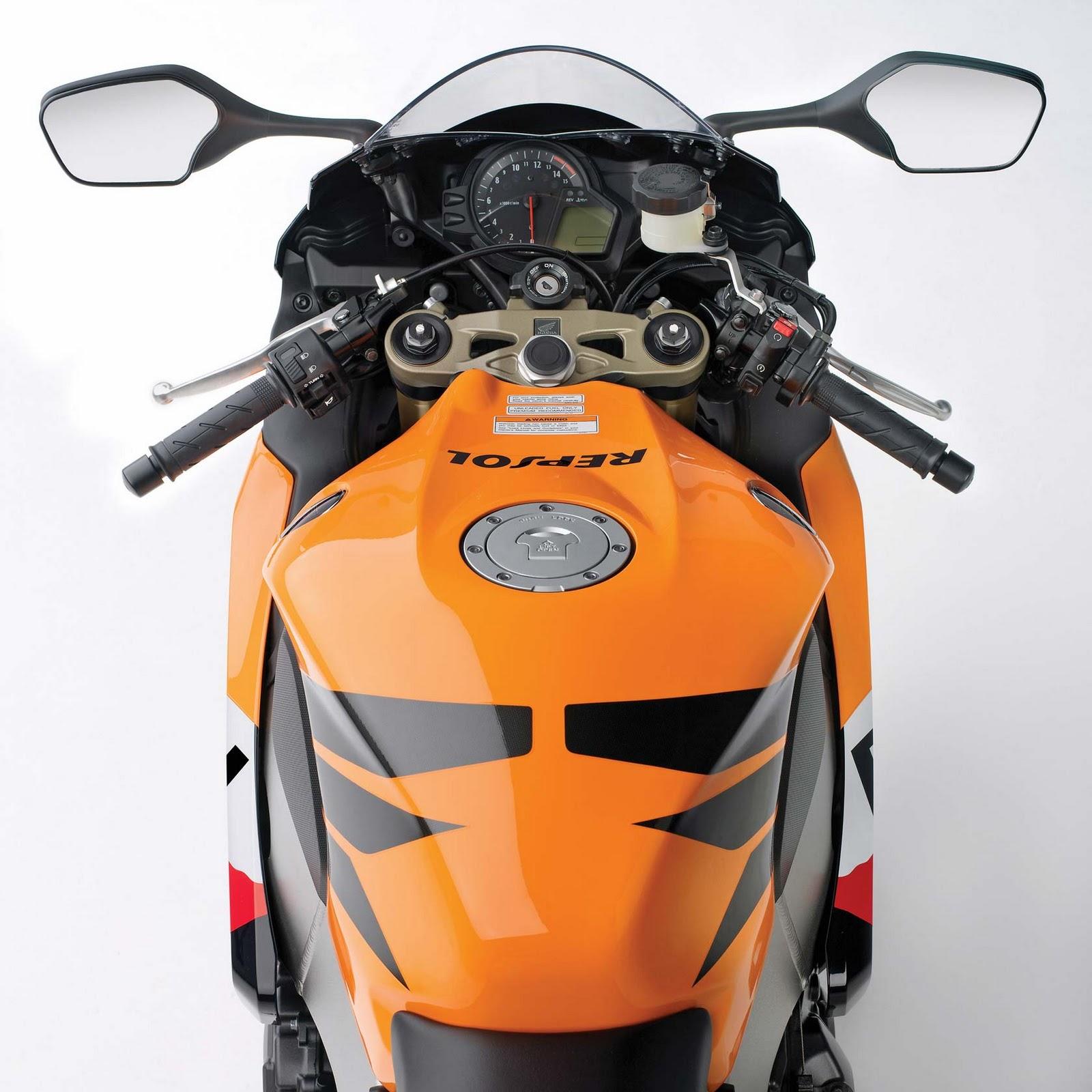 http://4.bp.blogspot.com/-SmoxNmci598/TWbVBvwY4qI/AAAAAAAAAFs/hYHV6_vtVDo/s1600/2011-Honda-CBR+1000+RR-04.jpg