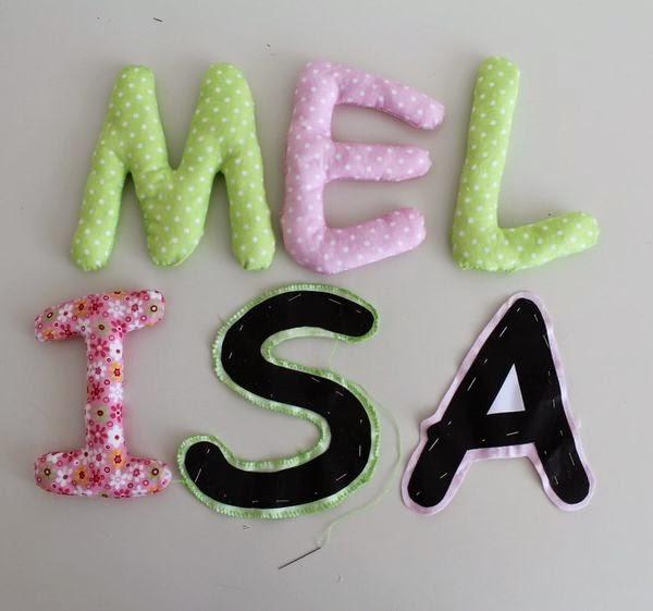 napis z imieniem dziecka nad łóżeczko, babyshower Melisy, alburnumbybiel stylizacje, alburnumbybiel, własnoręcznie robiony napis dla dziecka, literki nad łóżeczko, literki z imieniem dla dziecka, melisa literki,