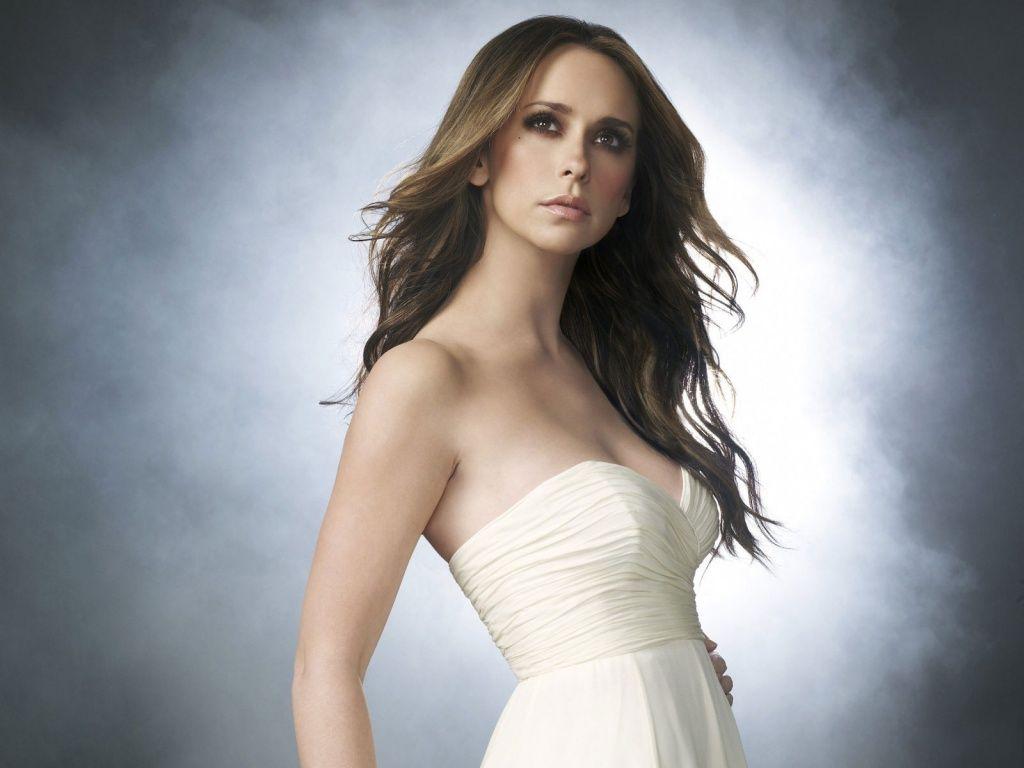 http://4.bp.blogspot.com/-SmweTlaF6lk/TZgN4T31bkI/AAAAAAAAOBc/2dhGVzw8rmQ/s1600/Jennifer-Love-Hewitt-Beautiful.jpg