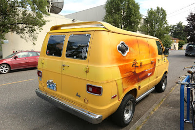 1977 Dodge Tradesman 200 Select Vans Surfer airbrush