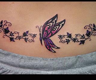 Fluture stilizat (tatuaj aplicat pe partea de jos a spatelui)
